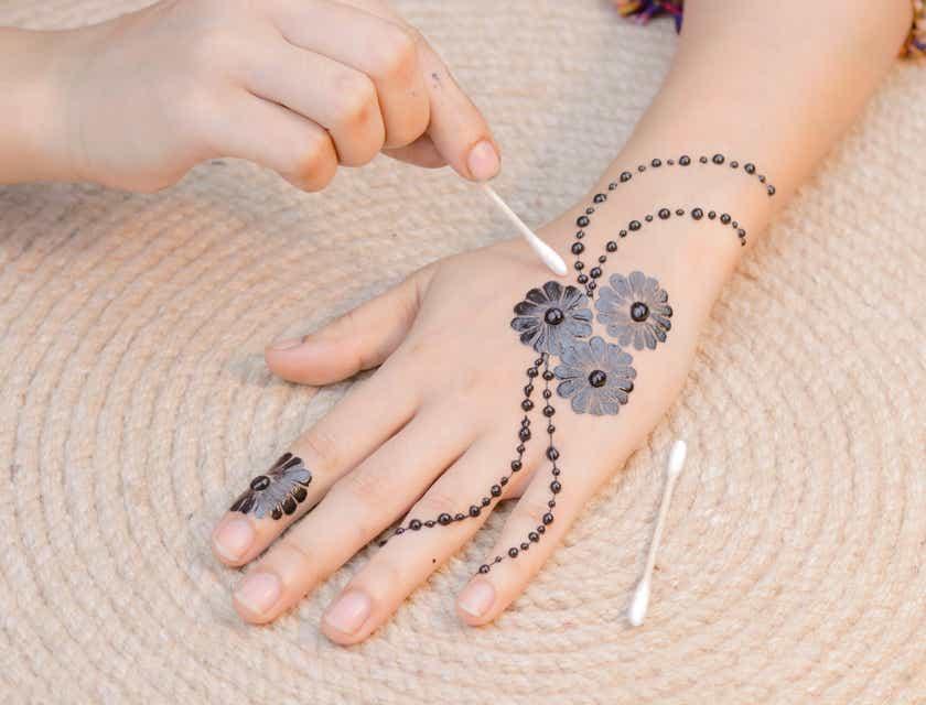 Noms de salon de tatouage au henné