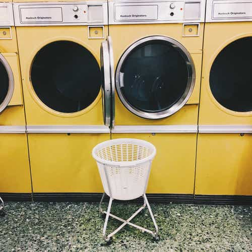 How to Start a Laundromat: