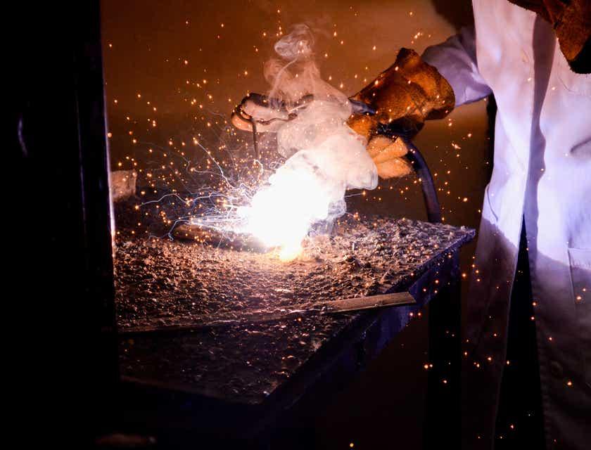 Nomes para empresas metalúrgicas