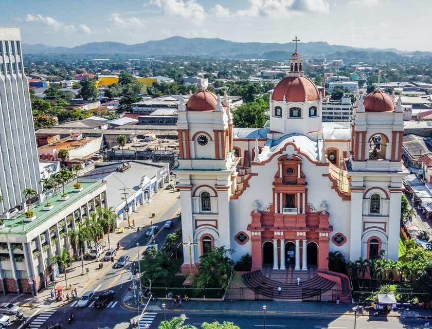 Nombres para negocios de tours a coca cola sign San Pedro Sula