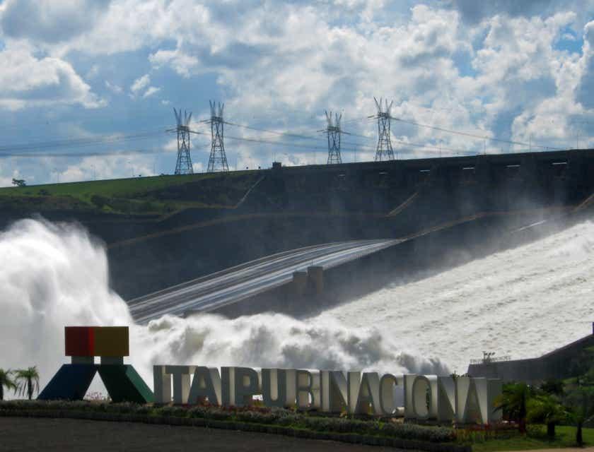 Nombres para negocios de tours a la represa Itaipú