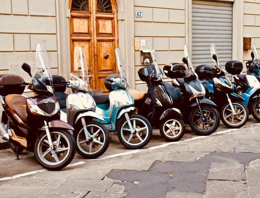 Noms d'entreprise de visites guidées et tours en scooter